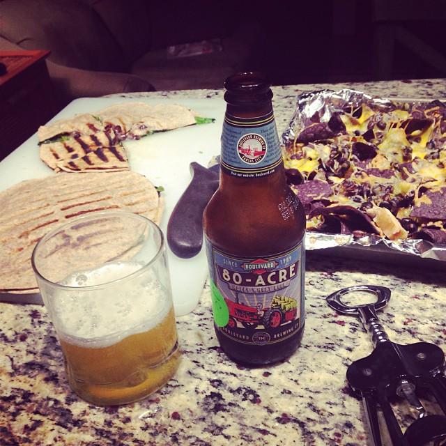 Having an 80-Acre Wheat beer, compliments of Tony Lazarus of Key West Spice Co,, with my turkey nachos and my Mayan quesadilla (spinach, black beans, and jack cheese)
