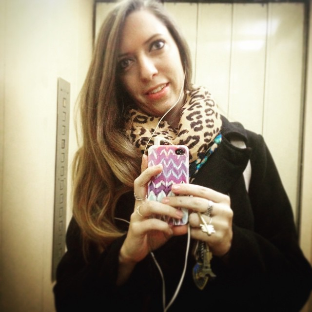 To work! #frio #fall #buenosaires #ar #work #greenparrotbar #me #selfie
