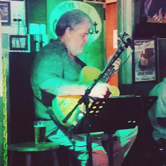 Good ol blues jam session in #duval #duvalstreet #greenparrotbar #weekendadventures #musicislife #keywest