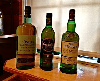 Green Parrot Package Goods Scotch