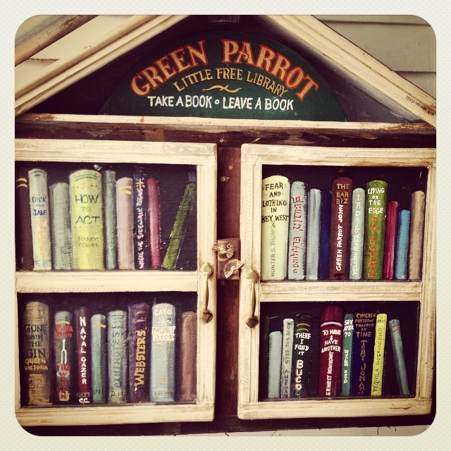 #LilLibrary #GreenParrotBar