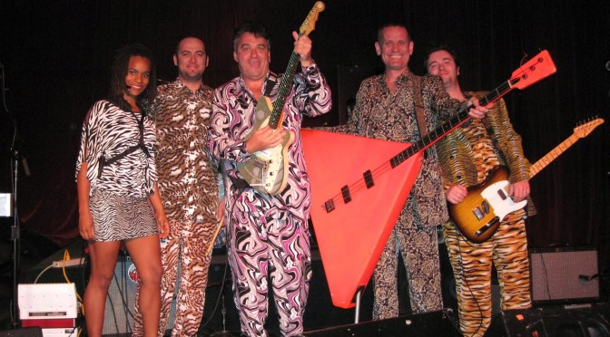 Red Elvises play The Green Parrot Bar