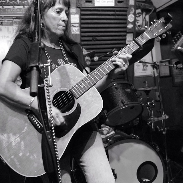 Maggie Moniz of Magnolia Cajun Band at Green Parrot Fat Tuesday Party
