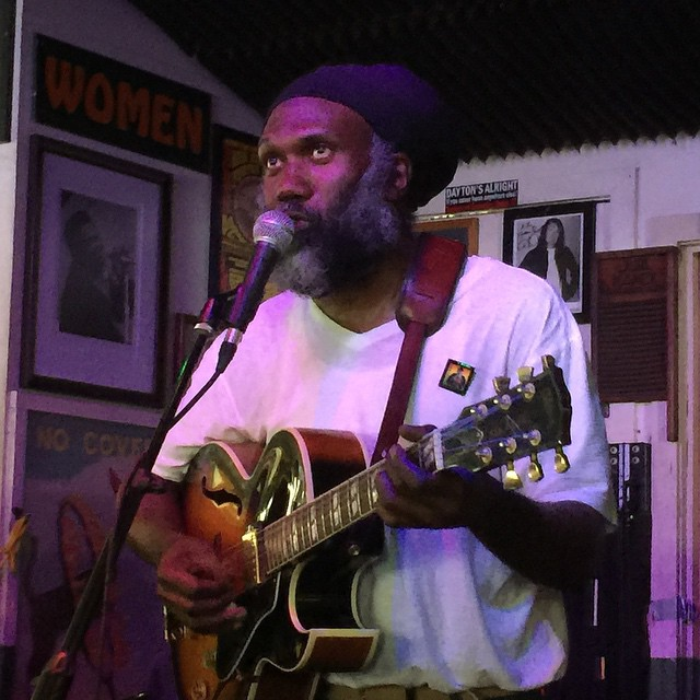 Corey Harris Dedicates Big Road Blues To his mentor BB King#coreyharris #greenparrotbar #bbking