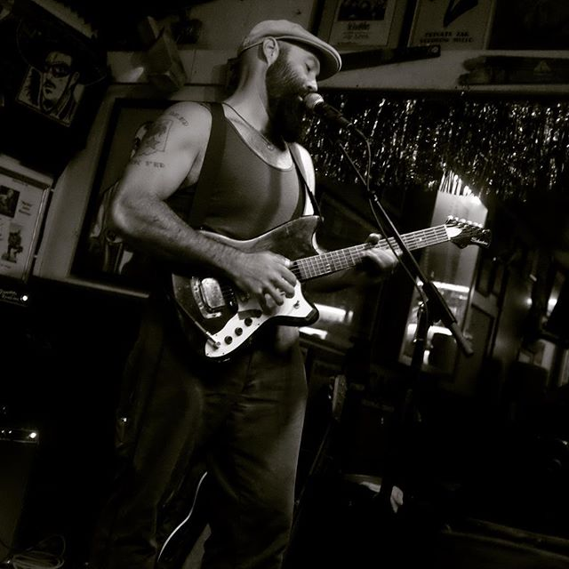 Reverend Peyton and His Big Damn Band make their Green Parrot and Key West debut. They're back on Sunday and Wednesday night, November 1st and 4th at 9 pm. #greenparrotbar #reverendpeytonsbigdamnband #countryblues #mississippijohnhurt #keywest #keywestmusic