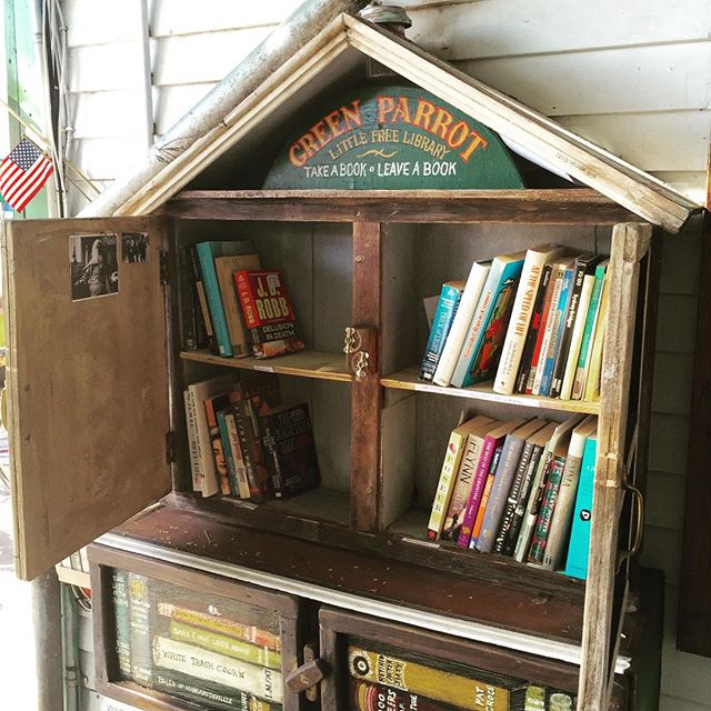 It appears the Green Parrot Little Free Library had a busy Thanksgiving weekend and needs some restocking from back-of-the-house.  I'm on it! Glad to see people continue to enjoy it.  #greenparrotbar #greenparrotlittlefreelibrary #littefreelibrary #readabooktoday #takeabookleaveabook