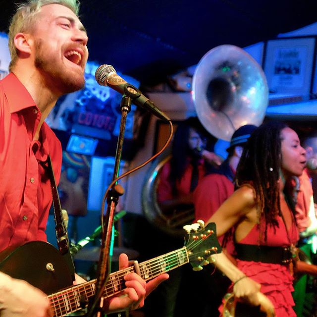 Noah Adams leads his New Orleans Big Brass Circus Rock Troupe onto the Parrot stage at 9 pm tonight for two more spirited, near-athletic sets, serving up everything from deft, syncopated originals to inspired covers stretching from  the canon of New Orleans to Led Zeppelin. #greenparrotsoundcheck #greenparrotbar #dirtybourbonrivershow #nola #canonofneworleans #noahadams